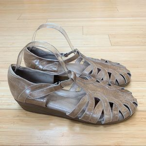 BEAUTIFEEL tan leather low heels, 42.
